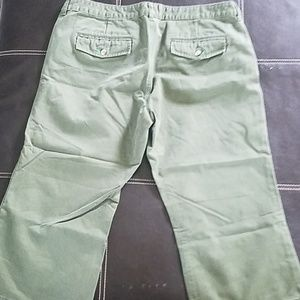 Old Navy Pants - Old Navy low waist capris. Size 18